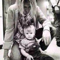 Cuando el líder de Nirvana falleció, Frances tenía un año y medio. Foto:vía Twitter.com/alka_seltzer666