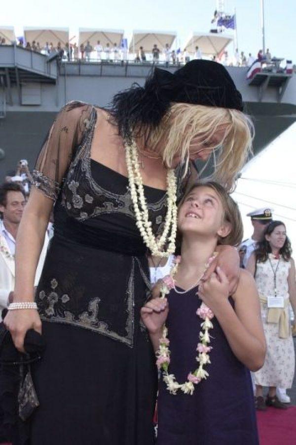 Desde pequeña tuvo que soportar la polémica que perseguía a su madre. Foto:Getty Images