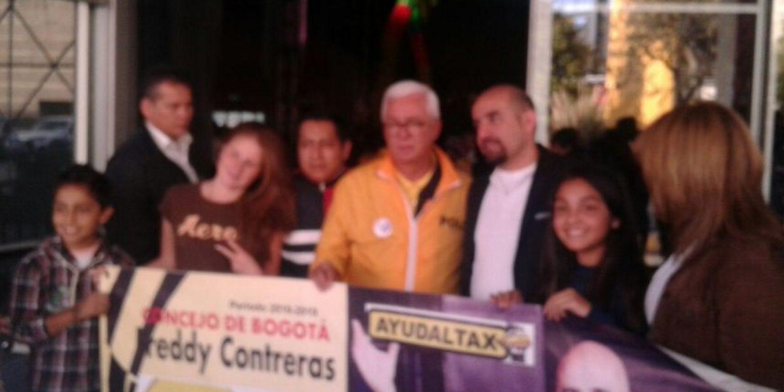 Acá con el senador Robledo. Foto:Facebook Confederación Colombiana de Transporte Público