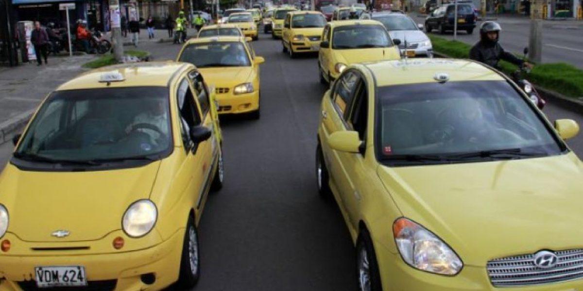 Líder de taxistas asegura en video que deben seguir los ataques contra Uber