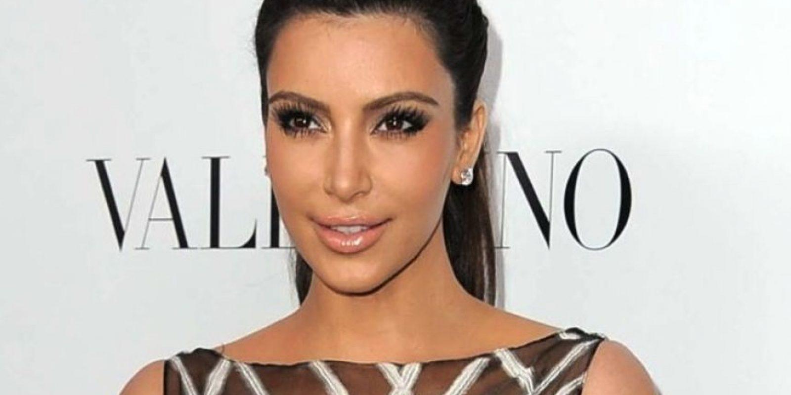 Kim Kardashian: Se le ve con su ex, el rapero Ray J. La empresa que tiene los derechos del material ya recopiló 50 millones de dólares. Foto:Getty Images