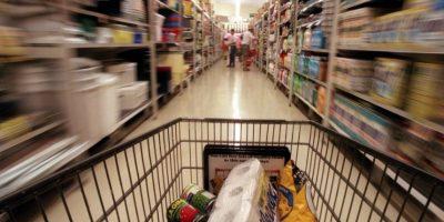 """La cadena """"Walmart emitió un comunicado donde especificaba que su protocolo de seguridad contempla bajar sus cortinas metálicas a partir de las 18 horas. Foto:Pixabay"""