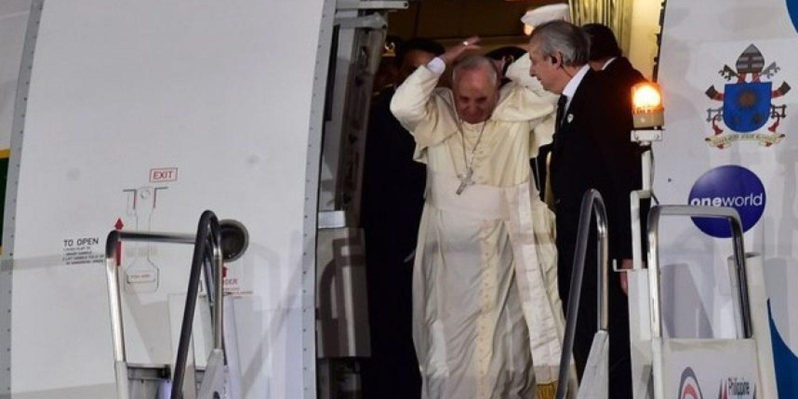 Sin embargo, incluso desde antes de salir del avión tiene estos problemas… Foto:AFP