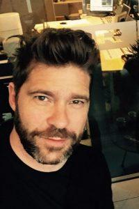 Músico danés , productor y compositor. Toca teclado, guitarra y canta coro Foto:Vía instagram.com/sorenrasted/