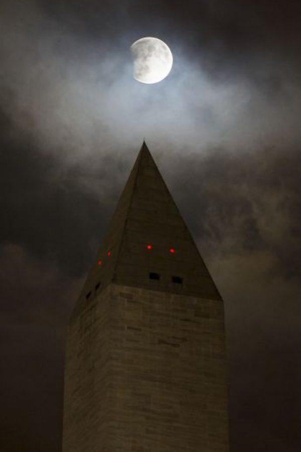 Así se vio sobre el monumento de Washington. Foto:AFP