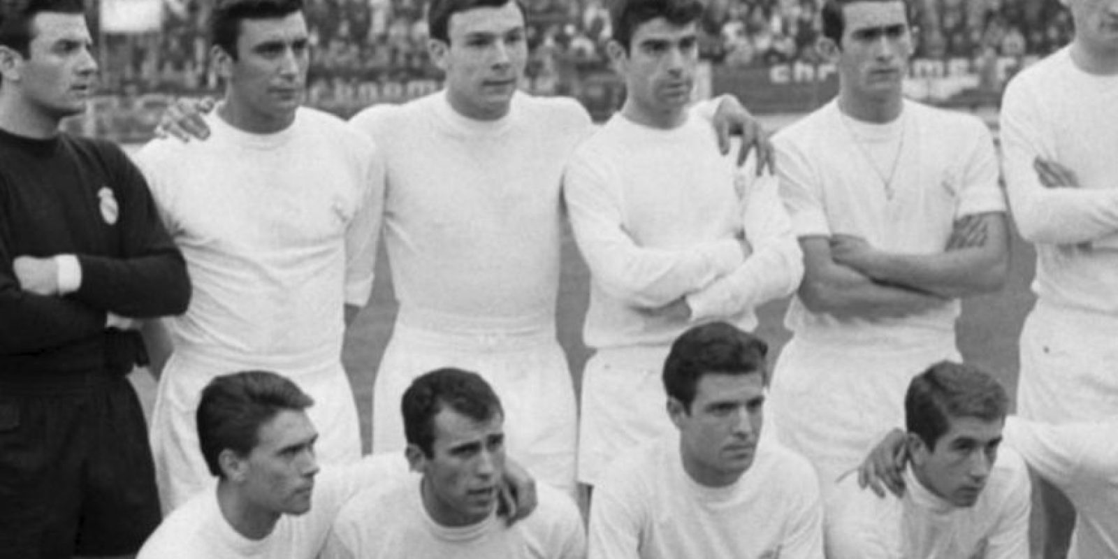 """""""El Madrid de los Yé-yé"""" fue conocido de esta forma, luego de que algunos miembros del equipo posaron con pelucas al estilo de los Beatles. Foto:Twitter"""