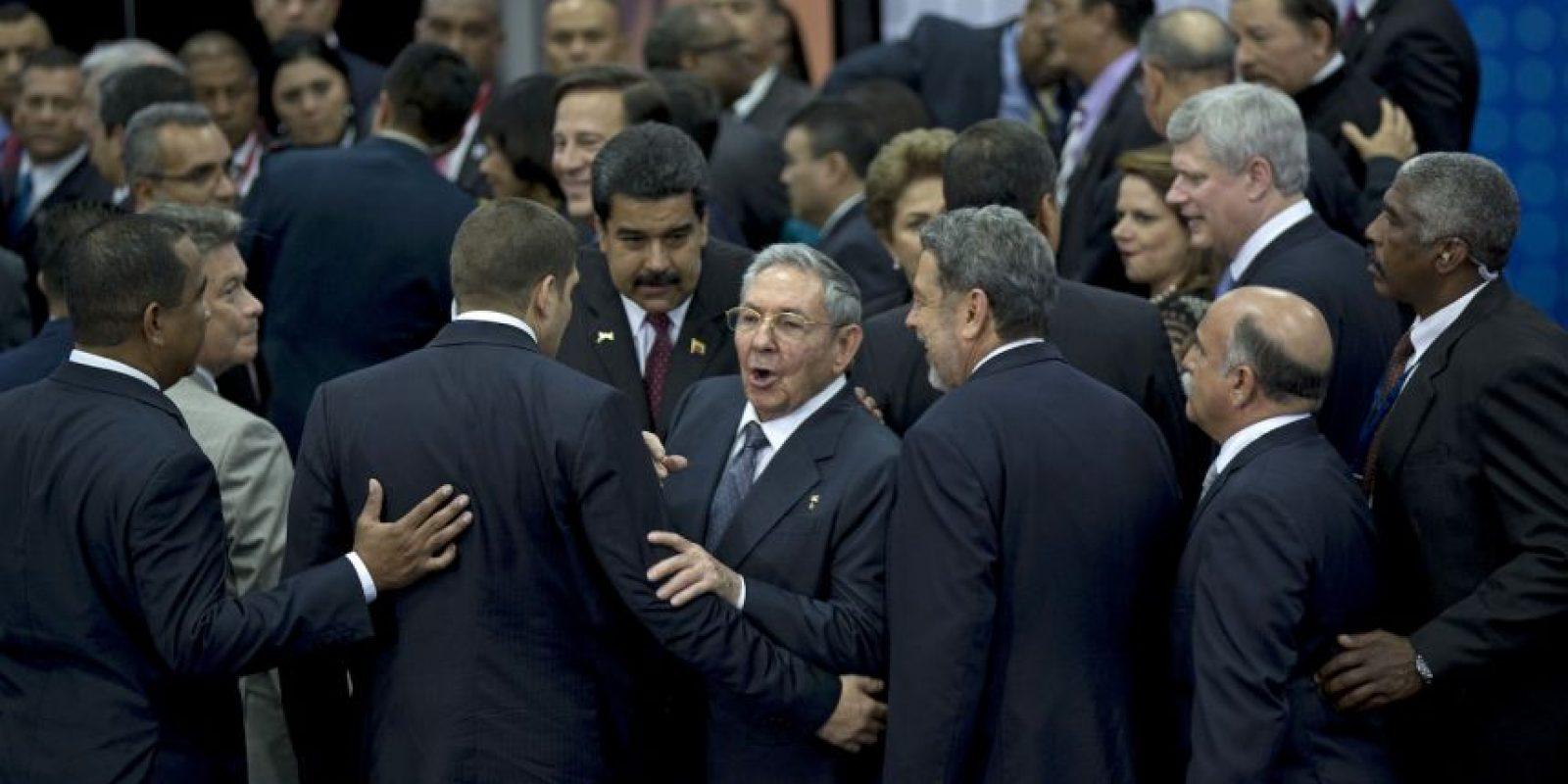 La primera reunión entre ambos mandatarios tras el anuncio del descongelamiento de relaciones diplomáticas Foto:AFP