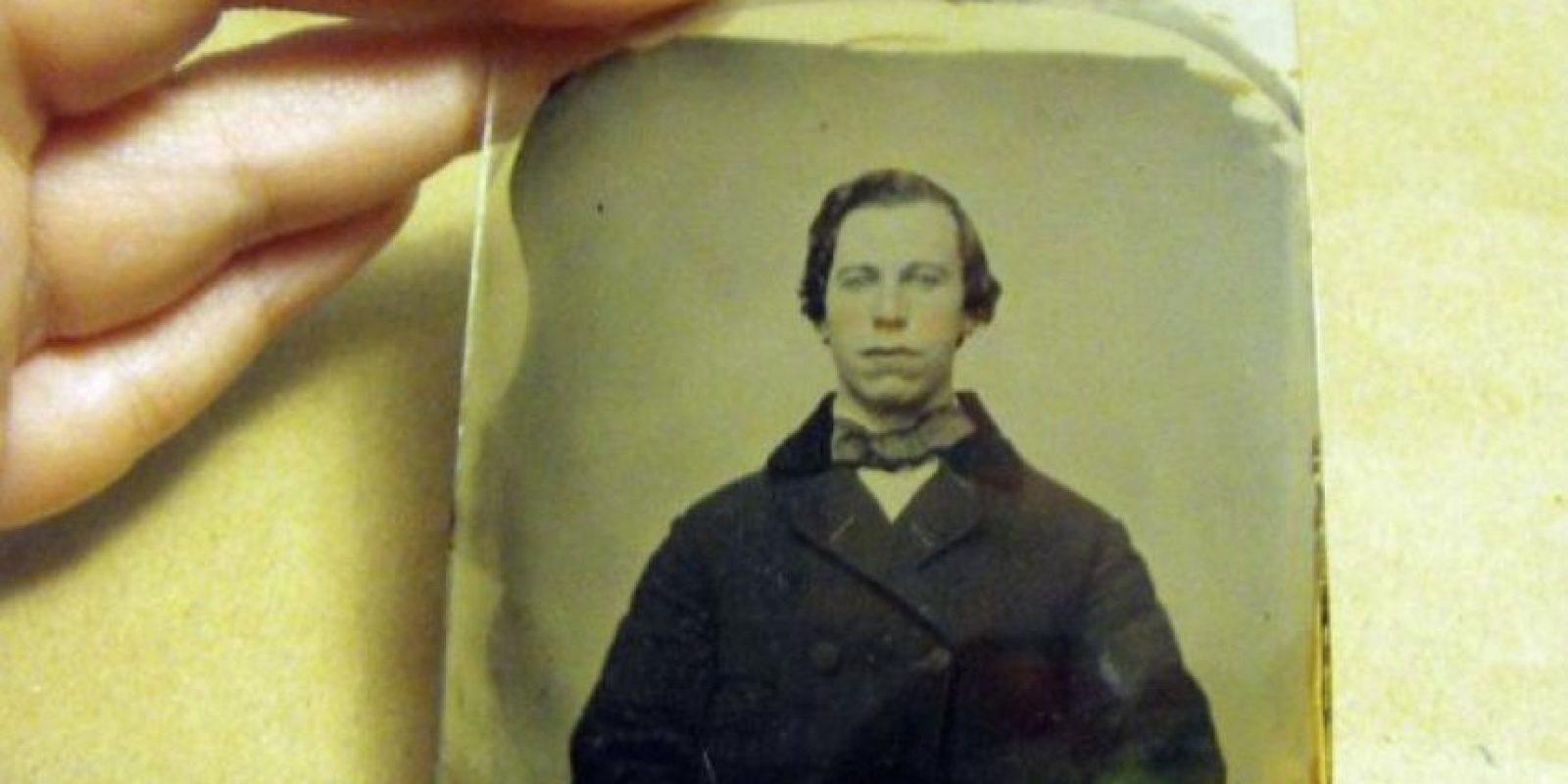 Este el hombre de este retrato de 1860. Foto:Ebay