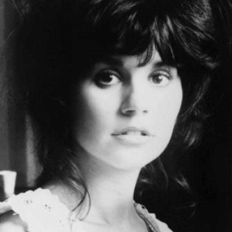 """Carrey y la cantante, mejor conocida como """"la primera dama del rock"""" salieron en la década de los años 80, cuando ella tenía 37 años y el comediante 21 y, además, vivía con sus padres. Foto:IMDB"""