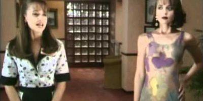 Y su trato con la inocente Paola. Foto:vía Televisa