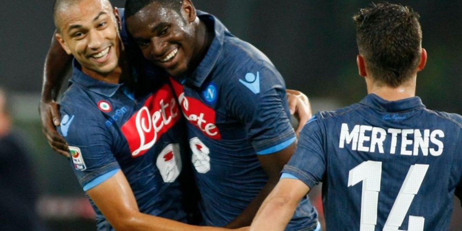 Duván Zapata se estrenó anotando en Champions con la camiseta del Napoli enfrentando al Olympique de Marsella, fue en la temporada 2013/14. Foto:AFP
