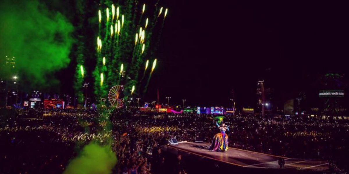 Katy Perry fue manoseada por una fanática en un concierto
