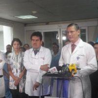 El equipo médico fue dirigido por el pediatra Javier Bolaños. Foto:Twitter.com/HRooseveltGT