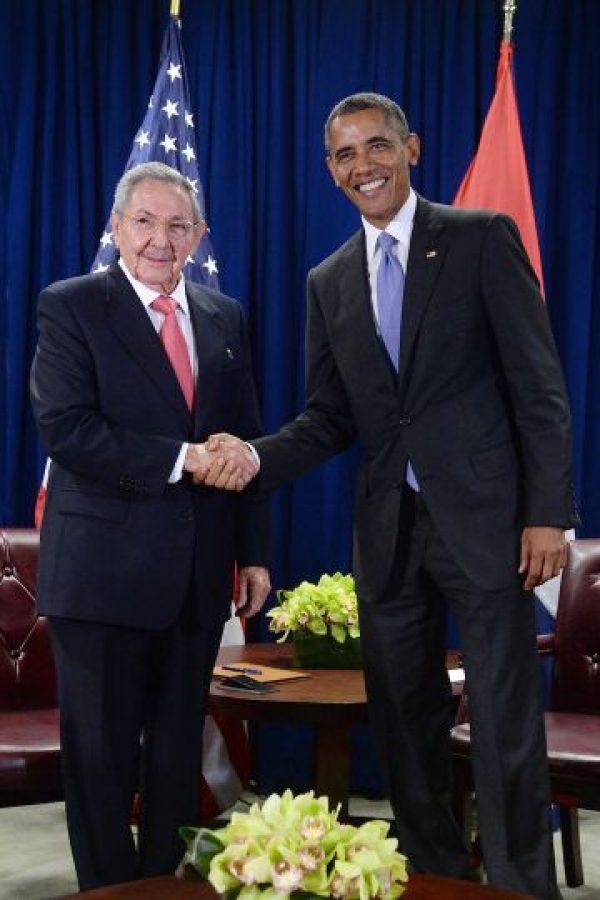 El presidente de Estados Unidos, Barack Obama y el presidente de Cuba, Raúl Castro. Foto:Getty Images