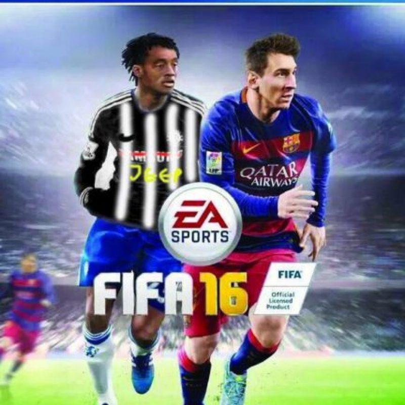 Sin embargo, semanas después el futbolista cambió de equipo, por lo que la portada tuvo que ser modificada. Pasó de Chelsea a la Juventus. Foto:Vía twitter.com