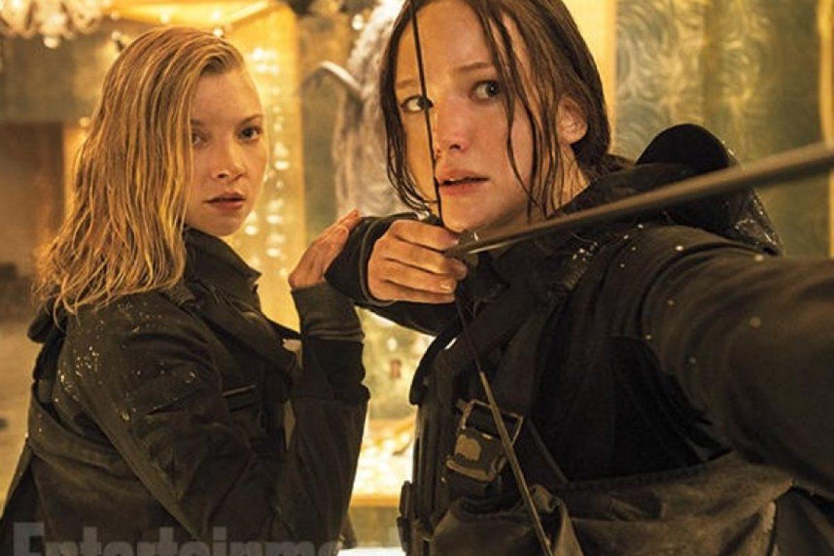 """En esta nueva entrega, """"Katniss Everdeen"""" se enfrentará en una dura batalla contra el """"Capitolio"""" y el presidente """"Snow"""". Foto:Entertainment Weekly"""