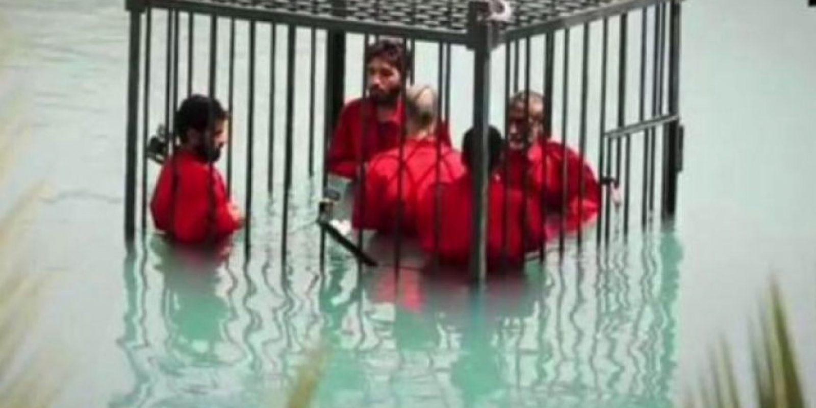 Ahogar en una jaula a sus víctimas Foto:Twitter.com – Archivo