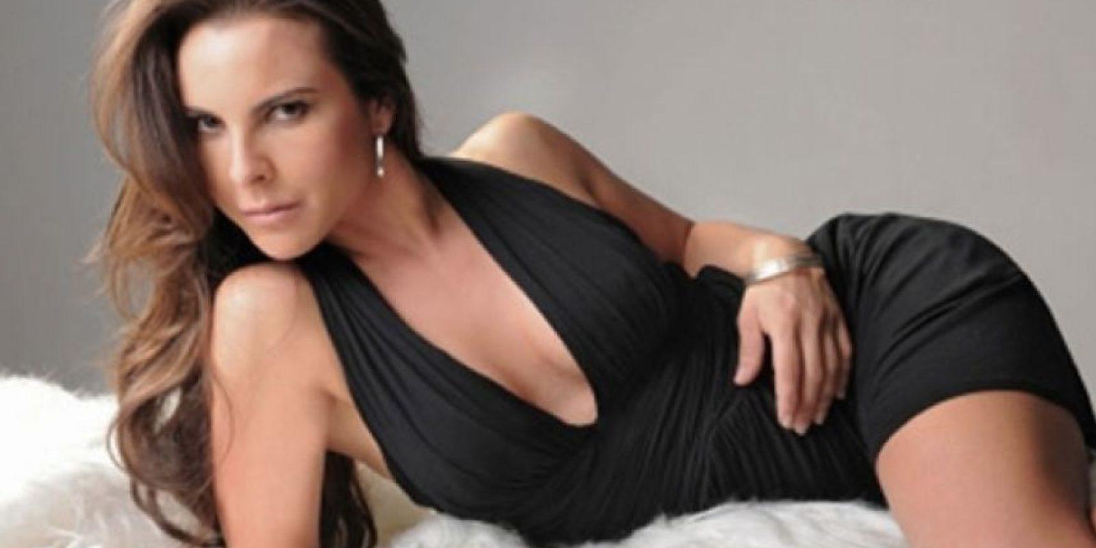 """Kate del Castillo interpretó a """"Teresa Mendoza"""", la mexicana a la que le asesinan a su novio y en el sur de España se vuelve una de las grandes jefas de cartel de drogas. Foto:vía Telemundo"""