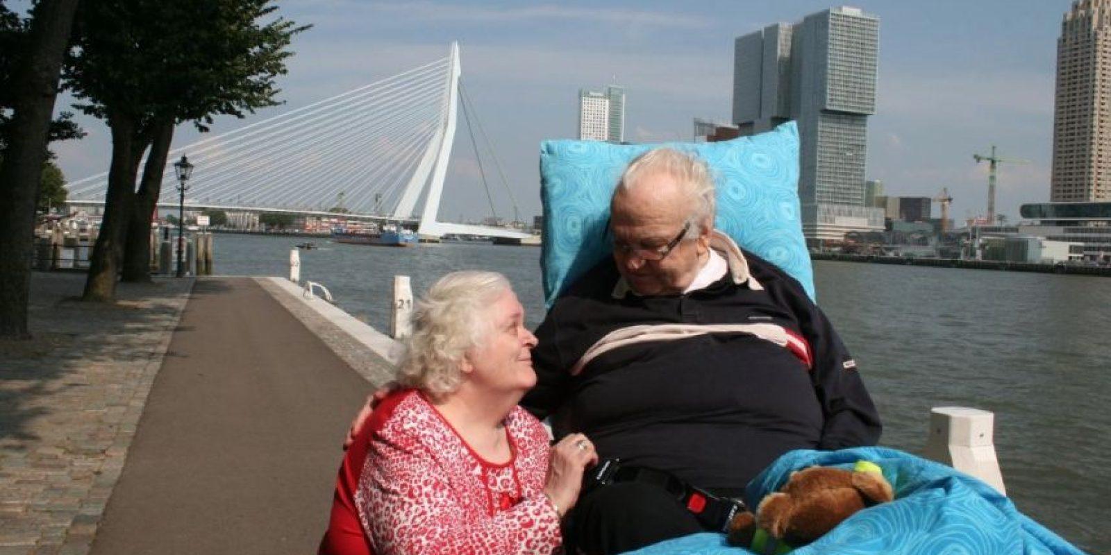 Salir con su amada a la calle. Foto:Vía Facebook.com/wensenrijders