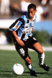 1. Gremio de Porto Alegre (1998-2000). Foto:Pinterest