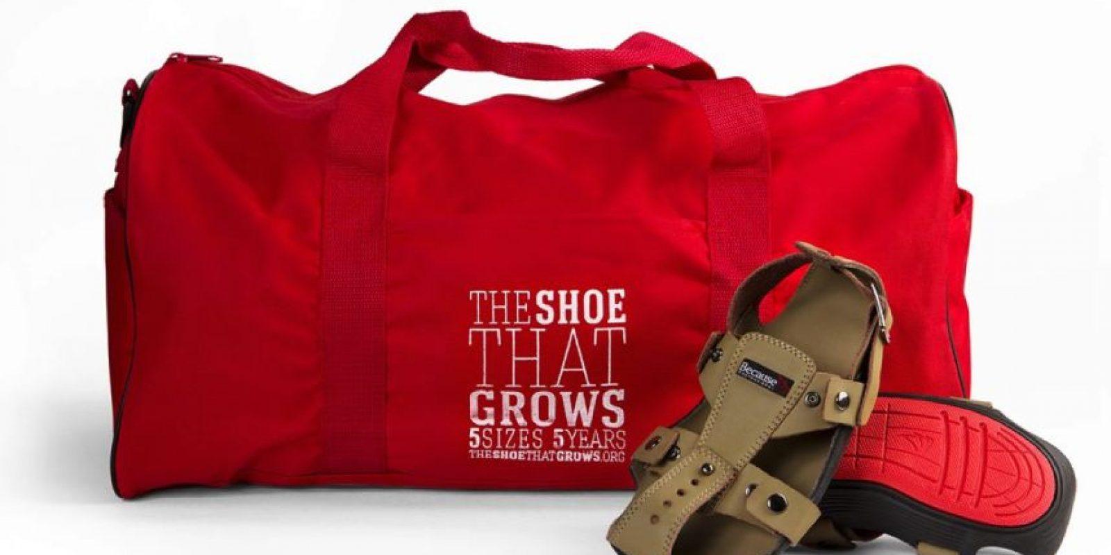 Un par cuesta 50 dólares. Cada vez que la organización vende un par dona dos pares a los niños necesitados. Foto:Vía Facebook.com/TheShoeThatGrows