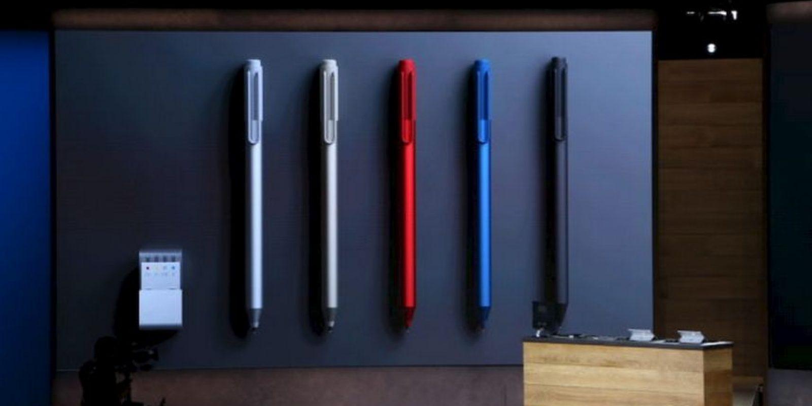 Además el teclado y la pluma inteligente están disponibles en varios colores Foto:Microsoft