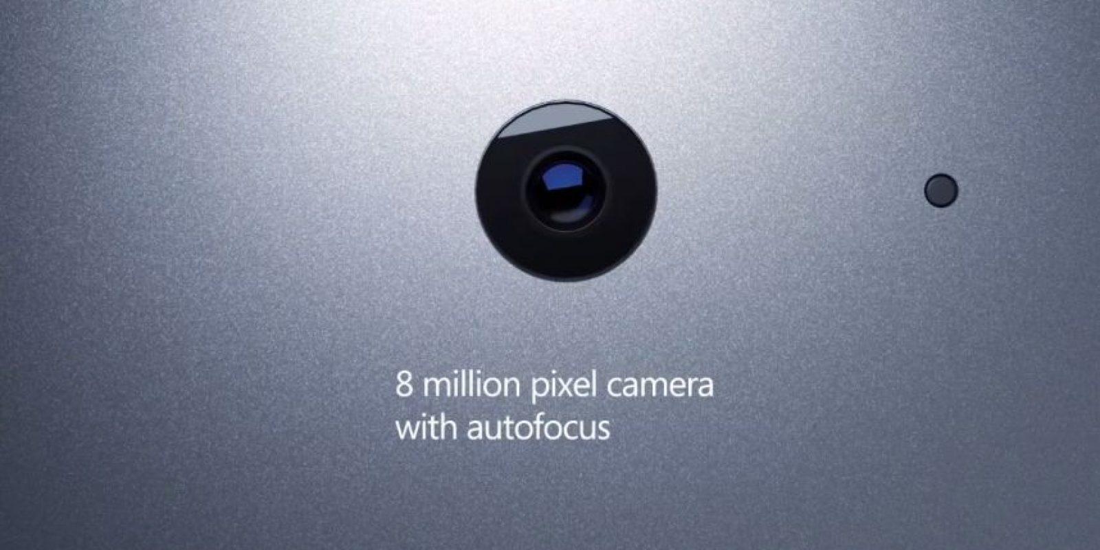 Una cámara trasera con 8 megapíxeles y 5 en la frontal Foto:Microsoft