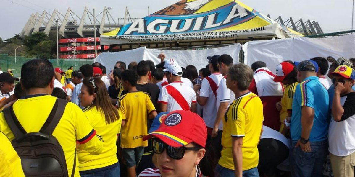 Así fue la entrada al partido Colombia Perú en Barranquilla