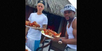 Floyd Mayweather se ha retirado recientemente del boxeo, por lo que viajaron para festejar Foto:Instagram/mayweatherunlimited