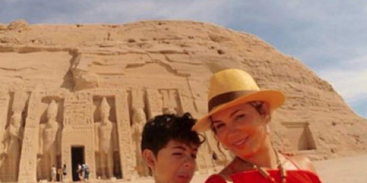 Lady Noriega bautiza a su hijo en el río Jordán