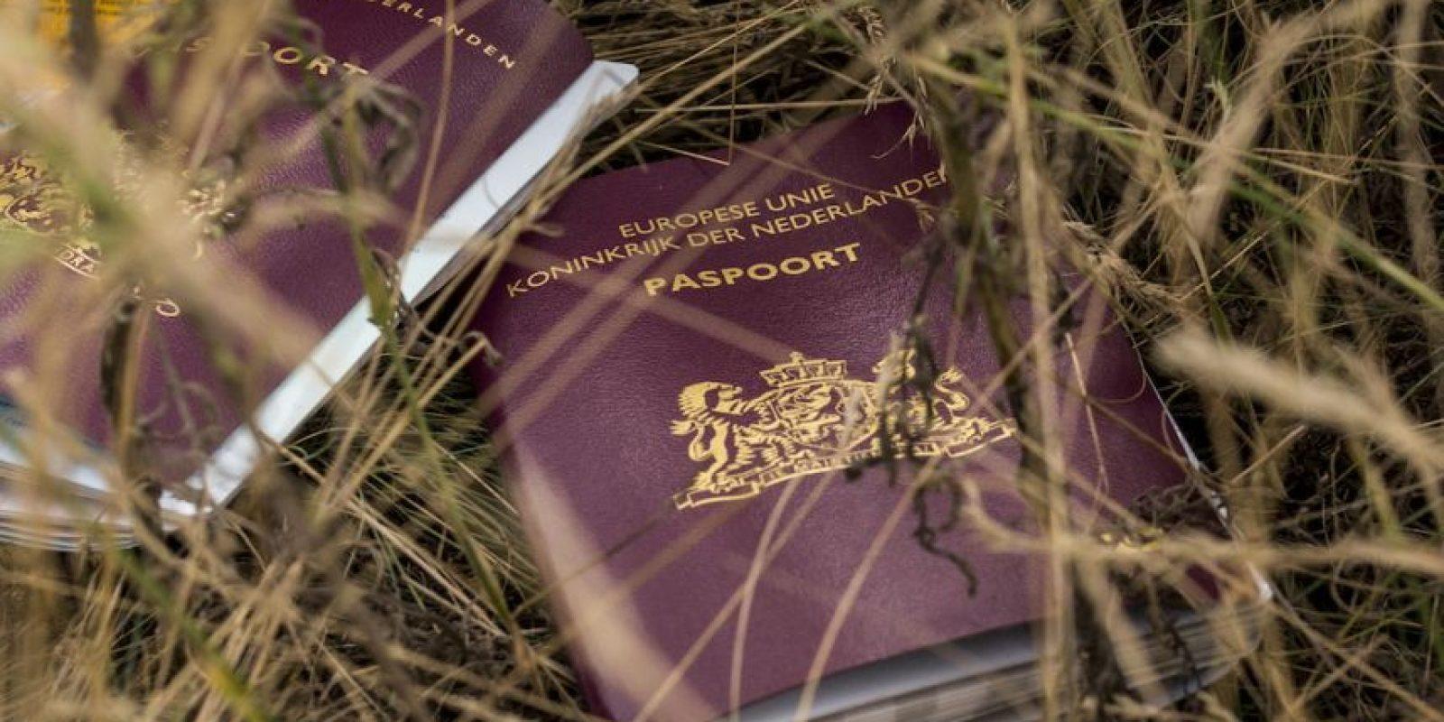 El costo para producir un pasaporte británico es de 12.25 libras (algo así como 18 dólares con 76 centavos) Foto:Getty Images