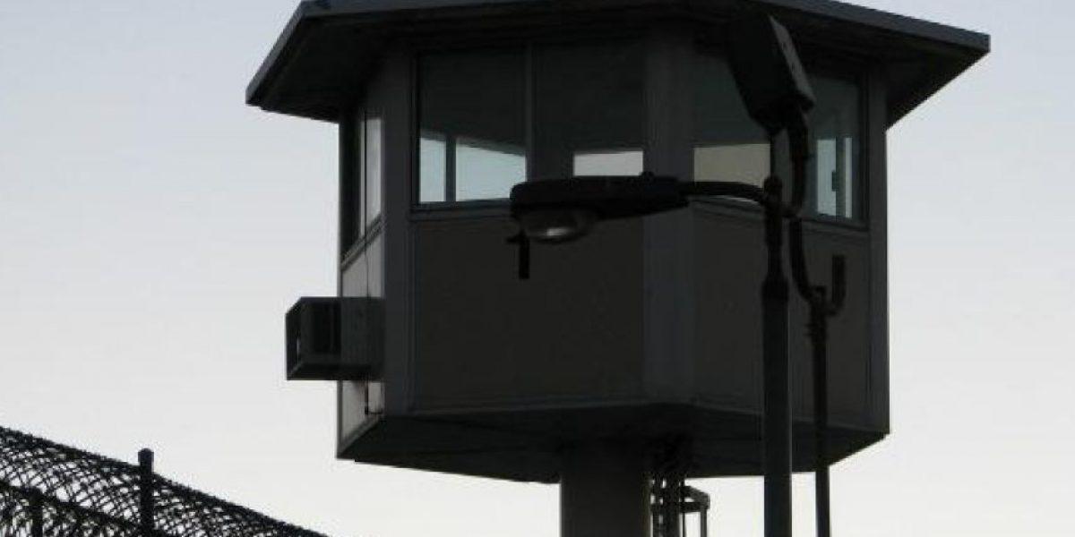 Al menos dos muertos y 13 heridos en un motín de una prisión en Perú