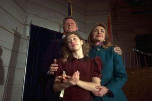 Septiembre 20 de 1991. Celebrando su nombramiento como gobernador de Arkansas. Foto:AP