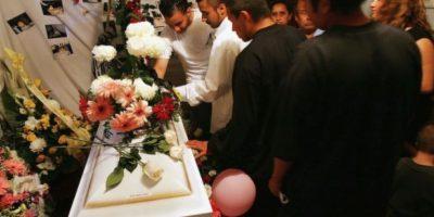 """En mayo de 2012 mientras su familia lloraba su muerte. Hamdi Hafez al-Nubi, un mesero de 28 años revivió después de sufrir un infarto cardiaco que lo dejara """"medio helado"""". La doctora encargada de certificar la muerte anunció que el cadáver estaba tibio. Foto:Getty Images"""