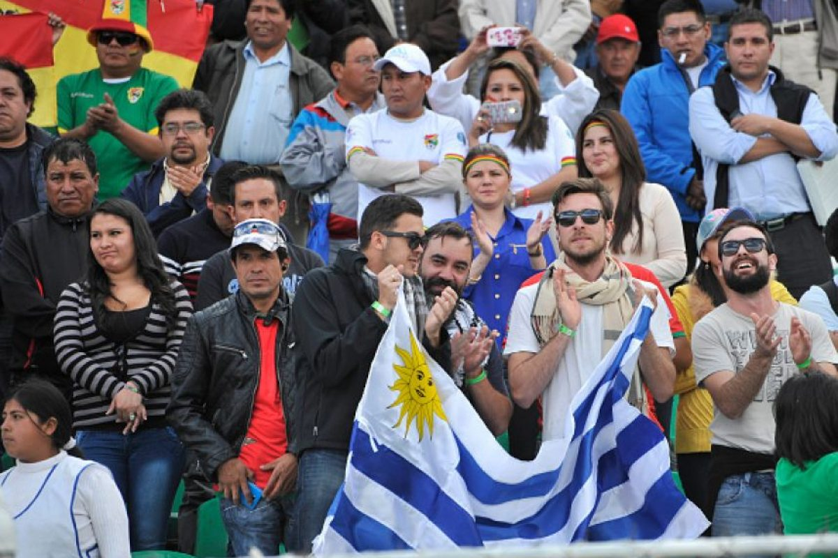 """Ahora, reciben en el """"Centanario"""" de Montevideo a Colombia. Foto:Getty Images"""