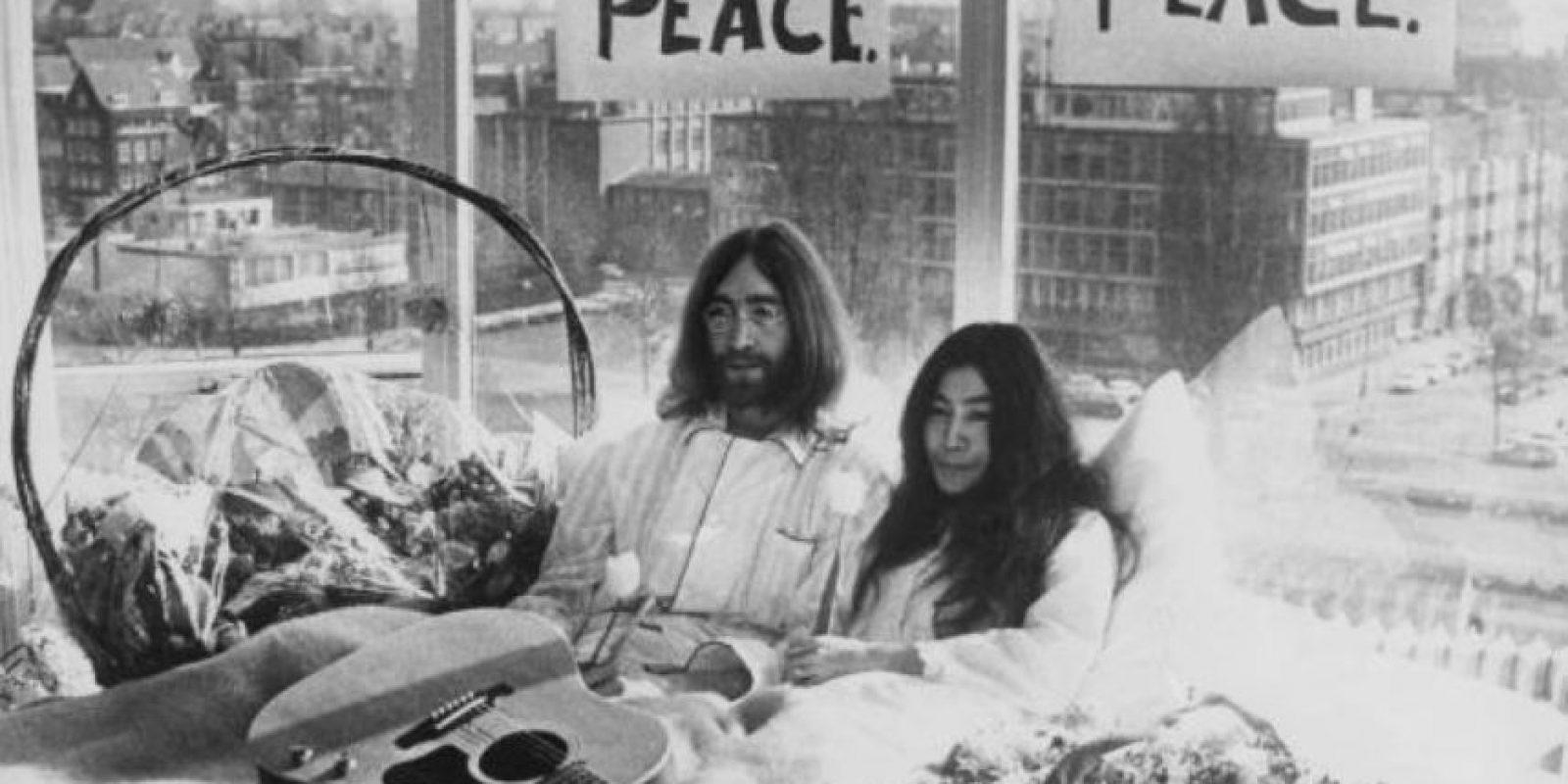 """""""A los dos nos encanta la belleza, por eso no lo hizo"""", afirmó su viuda Yoko Ono en """"The Daily Beast"""". Foto:vía Getty Images"""