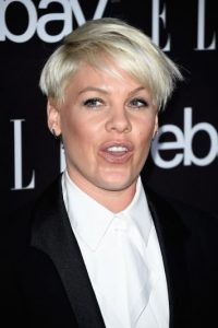 Está casada con el motociclista Carey Hart y es madre de la pequeña Willow Sage Hart Foto:Getty Images