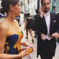 A la izquierda, su pareja Nicole Schuetz. Foto:instagram.com/kevin