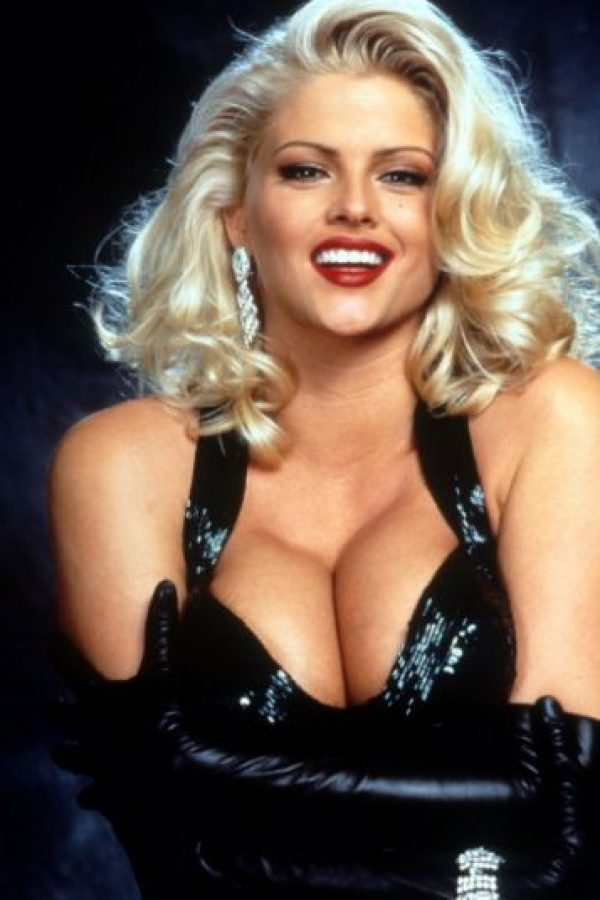 Fue famosa por el juicio que siguió por la fortuna de este. Y fue Playmate en 1992. Foto:vía Playboy