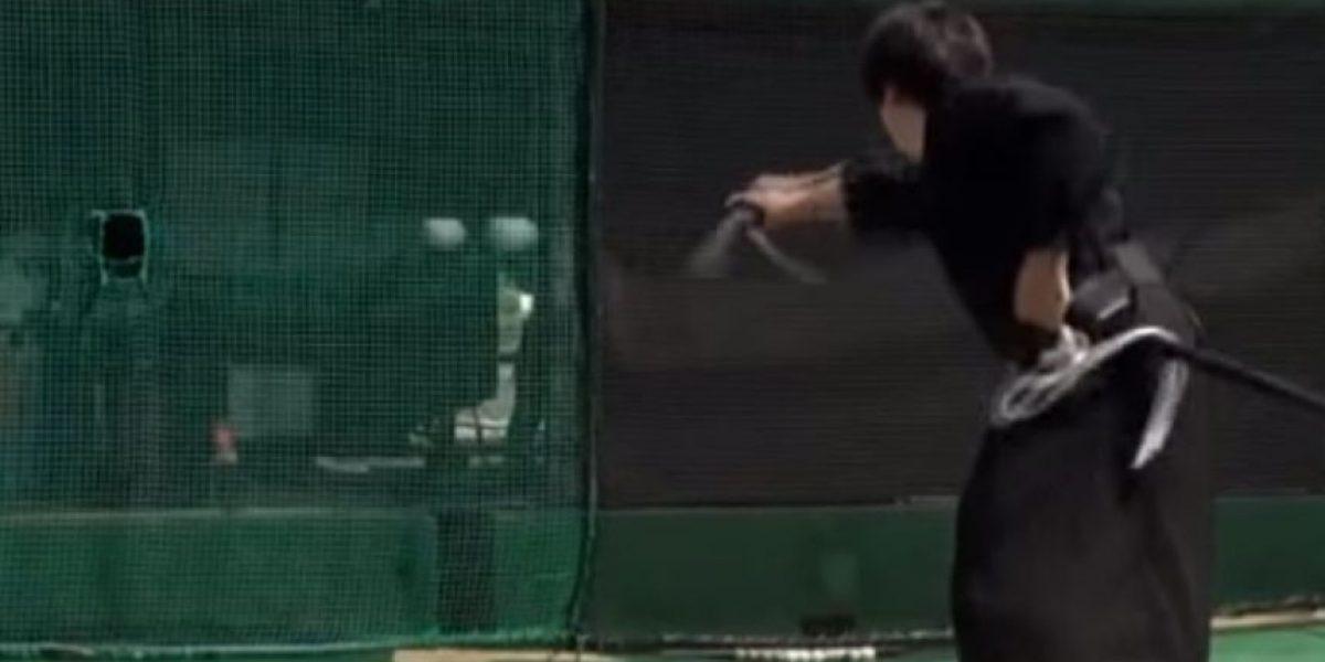 Video: Samurai destruye con su sable una pelota de tenis lanzada a gran velocidad