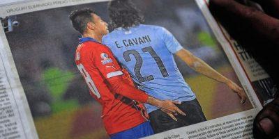 Además, Edinson Cavani se podría reencontrar con Gonzalo Jara, protagonistas de una de las acciones más comentadas del año. Foto:AFP