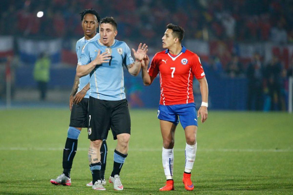"""""""¡SE AGRANDÓ LA CENICIENTA!"""", publicó una """"fanpage"""" de la selección uruguaya en Facebook (no la oficial), que tiene más de 230 mil seguidores. Foto:Getty Images"""