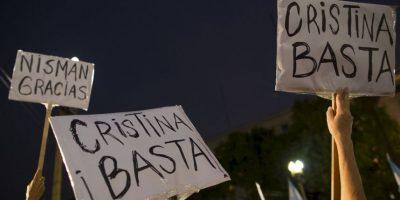 Este pequeño detalle tiene vital trascendencia, pues Nisman fue encontrado utilizando otra ropa al momento de su muerte. Foto:AP