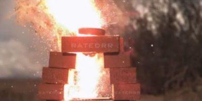 6- Explotó cuando fue incendiado. Foto:Rated RR / YouTube