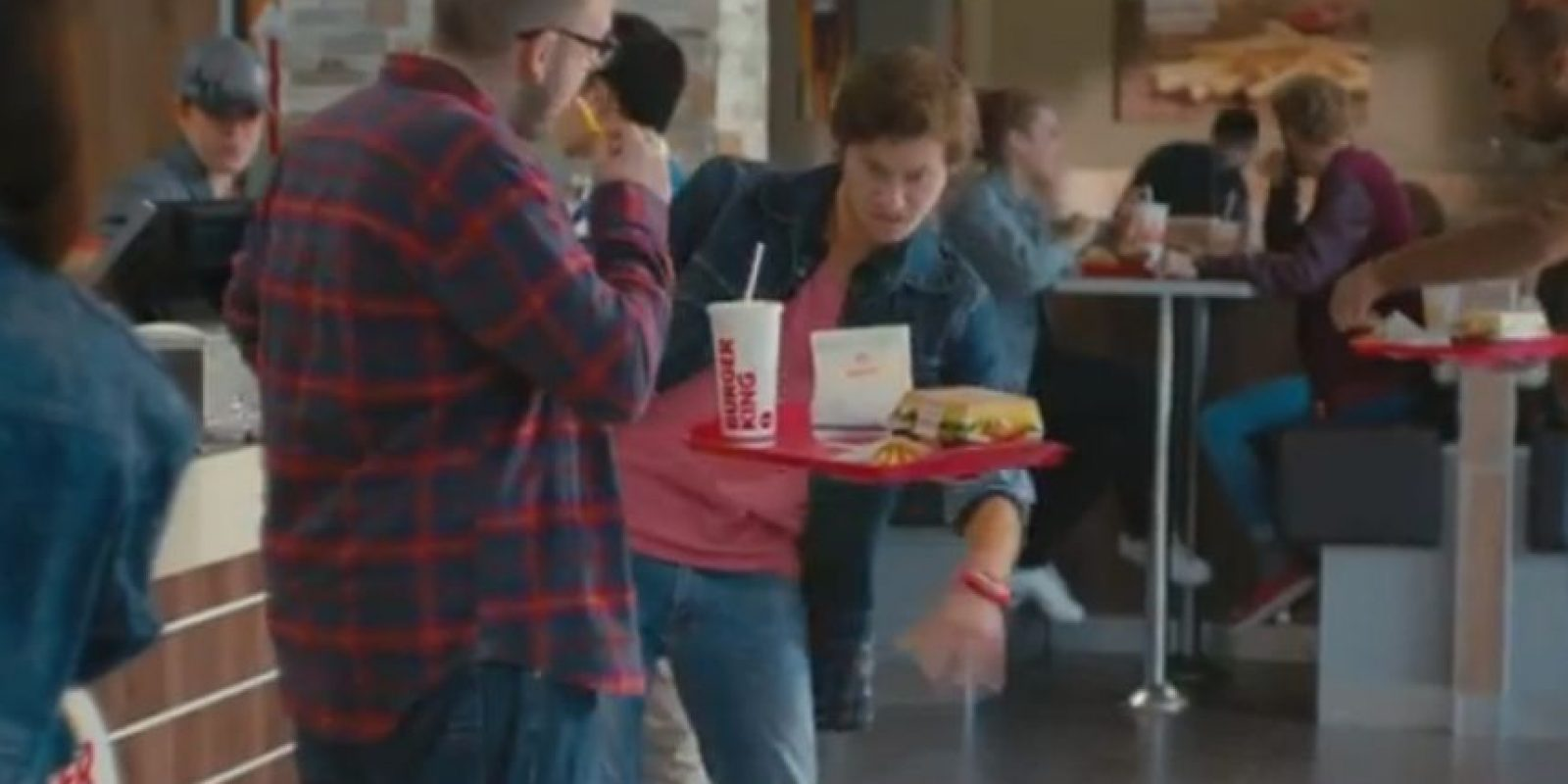 En 2010, para conmemorar los primeros veinticinco años del lanzamiento, la cinta original pasó por un proceso de remasterización con tal de ser estrenada de nuevo en algunas salas de cine de Reino Unido, Estados Unidos, Canadá y México. Foto:Vía Youtube Burger King France
