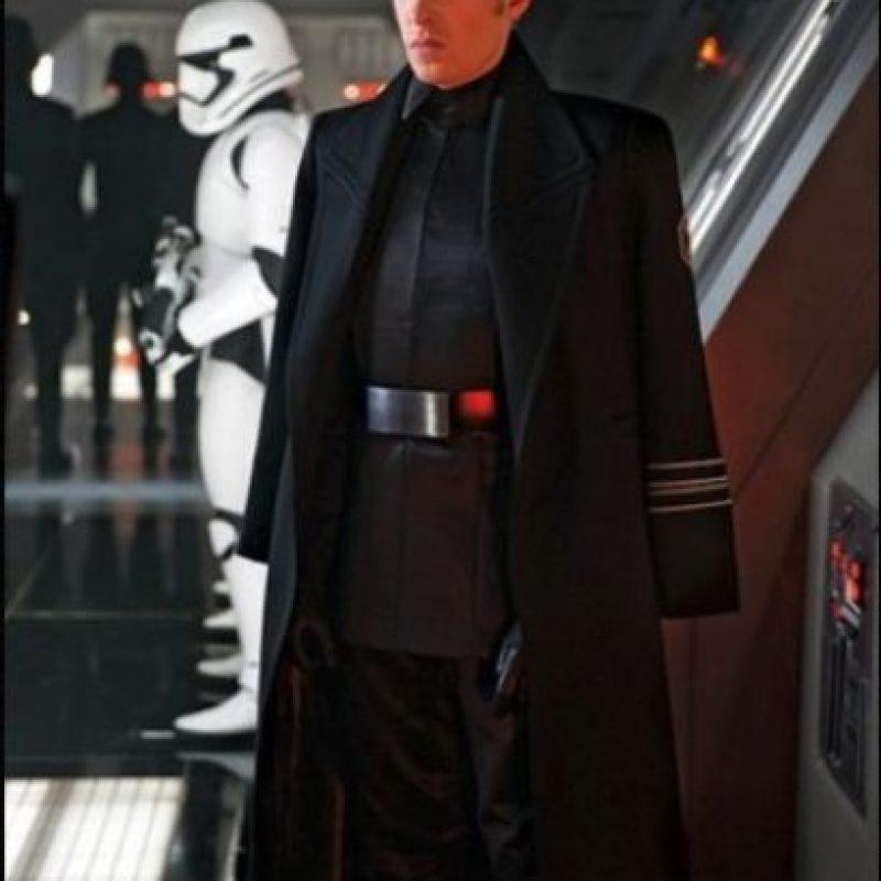 General Hux interpretado por Domhnall Gleeson, es el líder de The First Order Foto:Lucasfilm