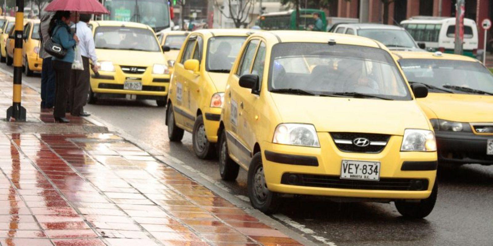 Los taxistas convocaron en redes sociales bloqueos este 21 de octubre Foto:Archivo Publimetro. Imagen Por: EFE