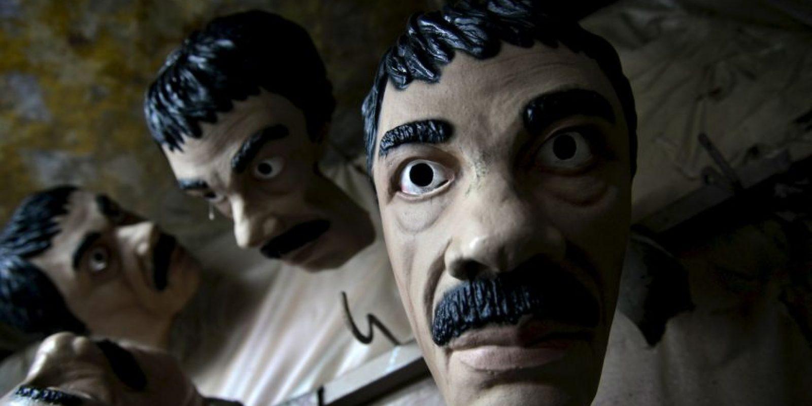 """Comerciantes aprovechan la fuga del """"Chapo"""" para vender artículos alusivos al capo. Foto:AP"""