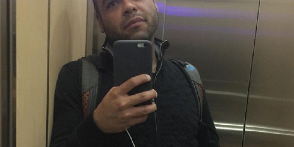 Carlos Vargas sorprende a sus seguidores con una foto en tacones