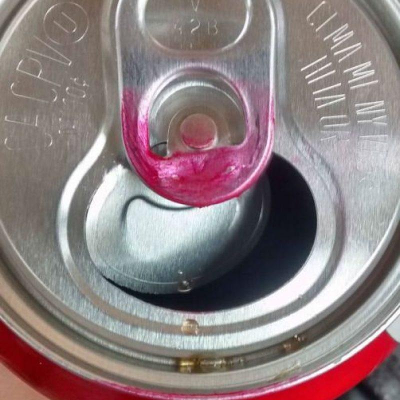 Cuando dejan marcado el labial en la bebida… Foto:Vía Instagram/#LipstickFail